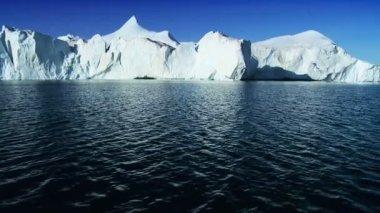 Hmotnost zmrzlé půdy v Arktidě — Stock video