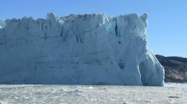 Glacial Ice Cliffs Formed by Climate Change — Stock Video