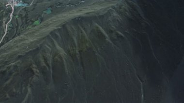 Aerial View of Rugged Volcanic Ridges, Iceland — Stock Video