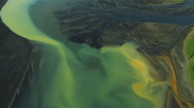 Aerial View of Volcanic Ash Flowing into River Deltas, Iceland — Stock Video