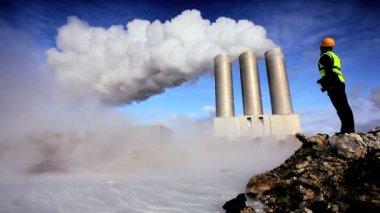Female Engineer at Geothermal Energy Plant — Stock Video