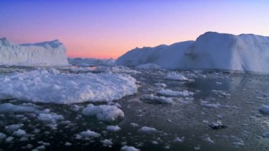 Moving Ice Floes at Sunset — Stock Video