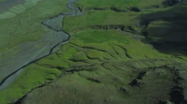 Aerial View of Fertile Plains & Active Eyjafjallajokull, Iceland — Stock Video