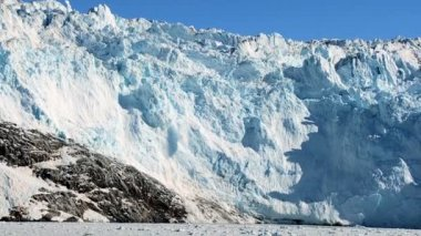 Glacial Calving in the Arctic — Stock Video