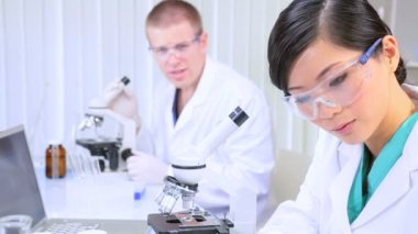Medical Researchers Working in Hospital Laboratory — Stock Video