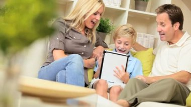 Caucasian Family Talking Via Online Web Chat — Stock Video