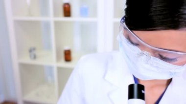 Female Lab Technician Doing Research Experiments — Stock Video