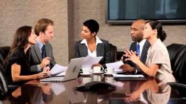 Grupo de ejecutivos de negocios étnicos multi — Vídeo de Stock