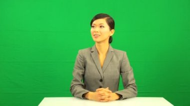 Asian Chinese Female Green Screen Touchscreen — Stock Video