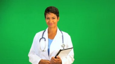 African American Doctor Green Screen Tablet — Stock Video