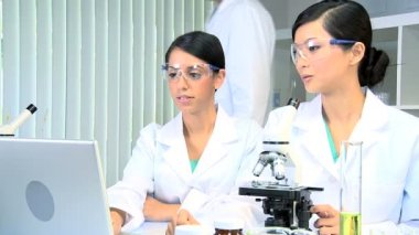 Male Doctor in Laboratory with Medical Students — Stock Video