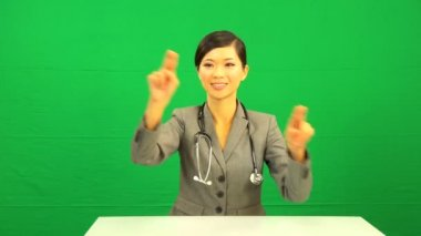 Asian Chinese Female Doctor Green Screen Technology — Stock Video