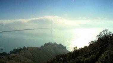 Uzak görüş golden gate köprüsü — Stok video