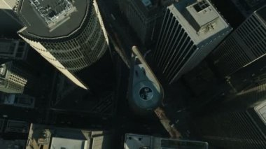 Aerial vertical view of rooftop skyscrapers, USA — Vídeo de stock