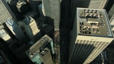 Aerial vertical view of skyscrapers in a busy metropolis, USA — Stock Video