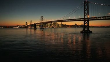 Aerial sunset view, Oakland Bay bridge, San Francisco, USA — Stock Video