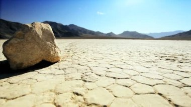 Racetrack Playa Moving Stones — Stock video
