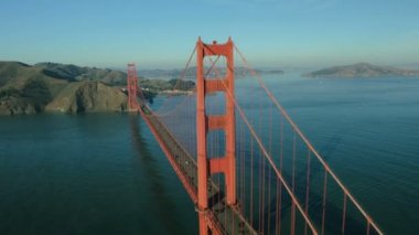 Aerial view of road traffic crossing the Golden Gate Bridge, USA — Stock Video