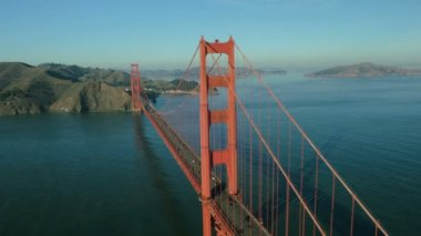 Aerial view of road traffic, Golden Gate Bridge, San Francisco, USA — Stock Video