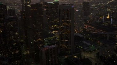 Aerial view at dusk of financial district, Los Angeles, USA — Stock Video