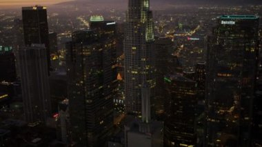 Aerial view at sunset of skyscrapers, Los Angeles, USA — Stock Video