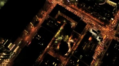 Aerial vertical view at night of city traffic, USA — 图库视频影像