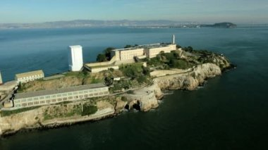 Aerial view of the Island of Alcatraz, USA — Stock Video