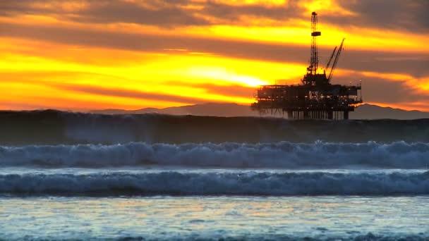 Cranes Oil Platform Drilling — Vidéo