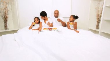African American Parents Children Breakfast Bed — Stock Video