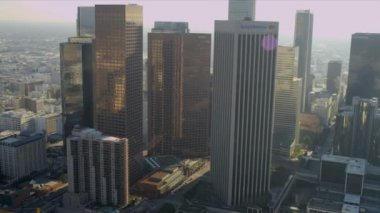 Vista aérea del centro de la ciudad rascacielos, los ángeles, estados unidos — Vídeo de stock