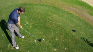 Professional golfer taking practice swing — Stock Video