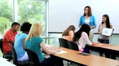 Female student giving classroom presentation — Stock Video