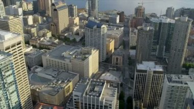 Aerial Downtown Seattle financial district Queen Anne Hill, USA — Vídeo de Stock