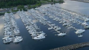 Aerial view Yacht Marina Smith Cove, Seattle, USA — Stock Video