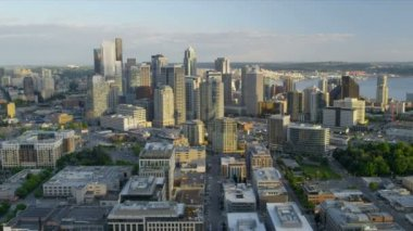 Aerial view skyscrapers Downtown business District Port of Seattle, USA — Vídeo de stock