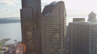 Aerial view Downtown Seattle Columbia Centre and Seattle Municipal Tower, USA — Stock Video