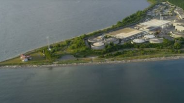 Aerial view West Point Lighthouse and Treatment Plant, Seattle — Stock Video