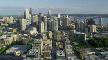 Aerial view Downtown Seattle business district Metropolitan coastal area — Stock Video