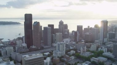 Aerial Skyscraper view of Columbia Center modern city Highways Seattle — Stock Video