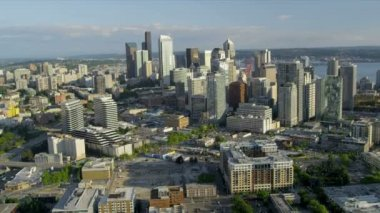 Aerial view Downtown Seattle business district Metropolitan coastal area — ストックビデオ