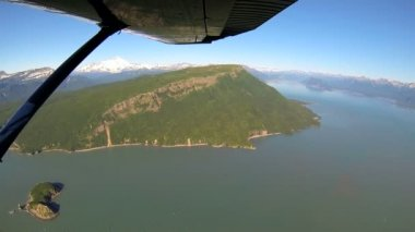 Aerial view from light aircraft  Alaskan lakes mountains and rivers remote Wilderness area Alaska, USA — Stock Video