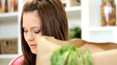 Girl returned from shopping — Stock Video