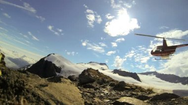 Helicopter in remote wilderness Mountain area, Alaska, USA — Stock Video