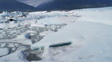 Aerial view Knik Glacier ice flows Knik River Alaska, USA — Vidéo