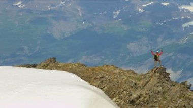 Climber on ridge Troublesome Glacier — Video Stock