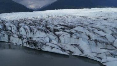 Aerial view Knik Glacier constantly moving, Alaska, USA — Stock Video