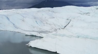 Aerial view Knik Glacier constantly moving large ice shelf Alaska, USA — Stock Video