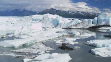 Aerial view Knik Glacier icebergs Knik River Alaska, USA — Stock video