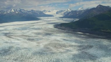Knik glacier and Chugach Mountains — ストックビデオ