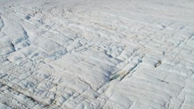 Glacier moving under its own gravity — 图库视频影像